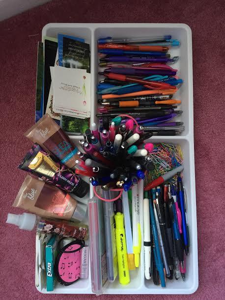 Utensil tray for pens