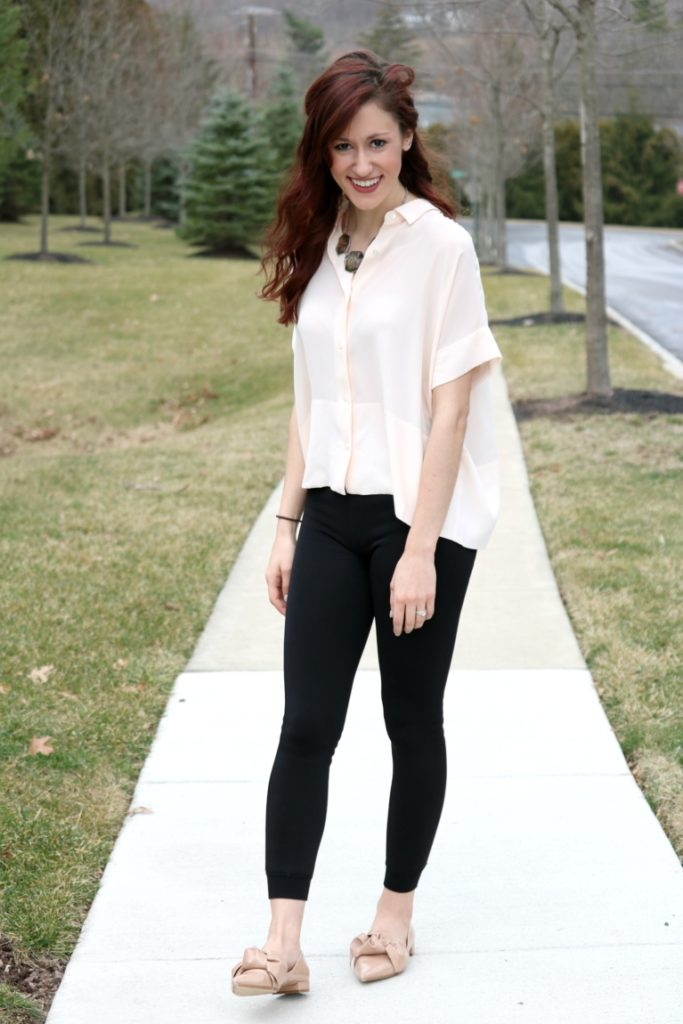 What to Wear with Leggings: How to Style Black Leggings 7 Ways, for wear all week long! on Coming Up Roses