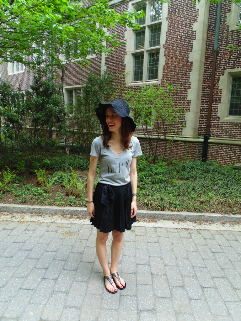 black floppy hat spring style outfit