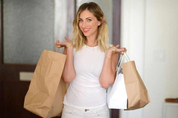 7 strategies for smarter shopping from Cupcakes and Cashmere - Links I Love on Coming Up Roses