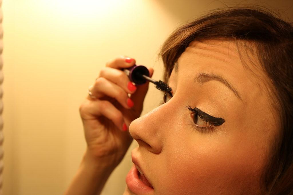Rimmel SuperCurler Mascara - Longwear matte daytime look on CUR