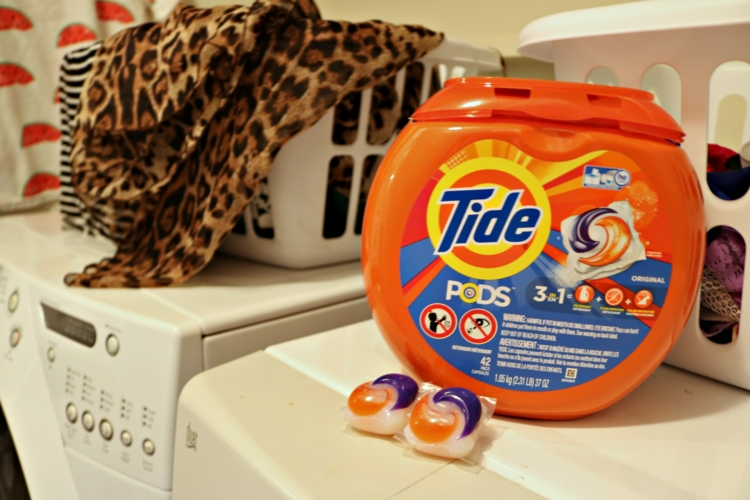 Tide ® PODS ® Laundry Detergent - 6 Cleaning Musts for Quick Entertaining on Coming Up Roses