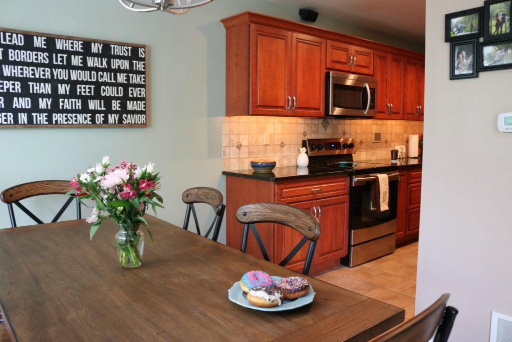 HOUSE TOUR - Kitchen + Dining Room on Coming Up Roses