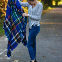 10 Ways to Wear a Blanket Scarf (+ How to Tie it!)