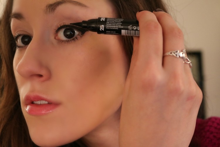 2B Cosmetics Waterproof Cat Eyeliner - Perfect Cat Eye Tutorial