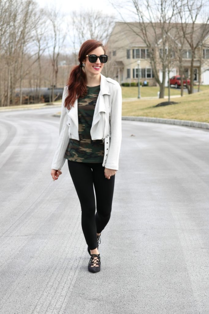 What to Wear with Leggings: How to Style Black Leggings 7 Ways, for wear all week long! on Coming Up Roses - How to be a Fashion Blogger: 6 Pose Ideas for Better Style Shots by popular Philadelphia fashion blogger Coming Up Roses
