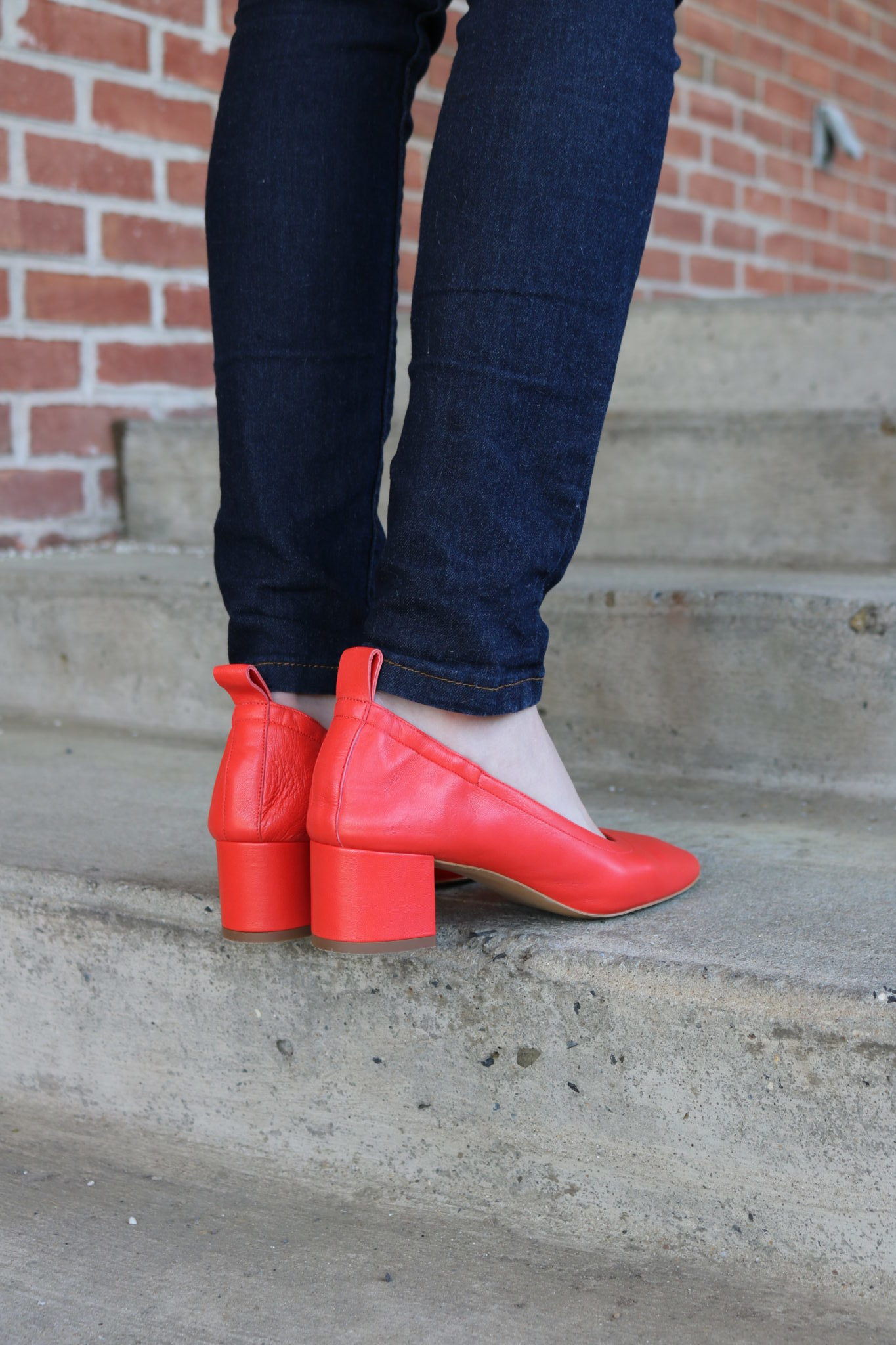 The 6 The 6 most comfy shoes for work by popular Philadelphia fashion blogger Coming Up Roses comfy shoes for work