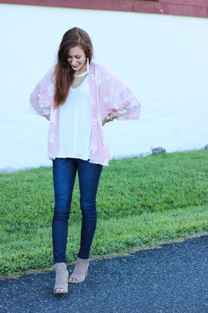 10 Steps to Declutter your Mind + the Prettiest $15 Kimono! - 10 Steps to Declutter Your Mind by popular Philadelphia lifestyle blogger Coming Up Roses