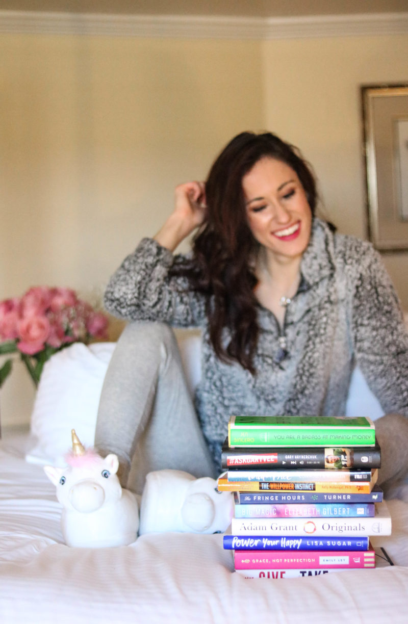 21 Favorites Books to Cozy Up with this Winter (+ My 2018 Reading List!)