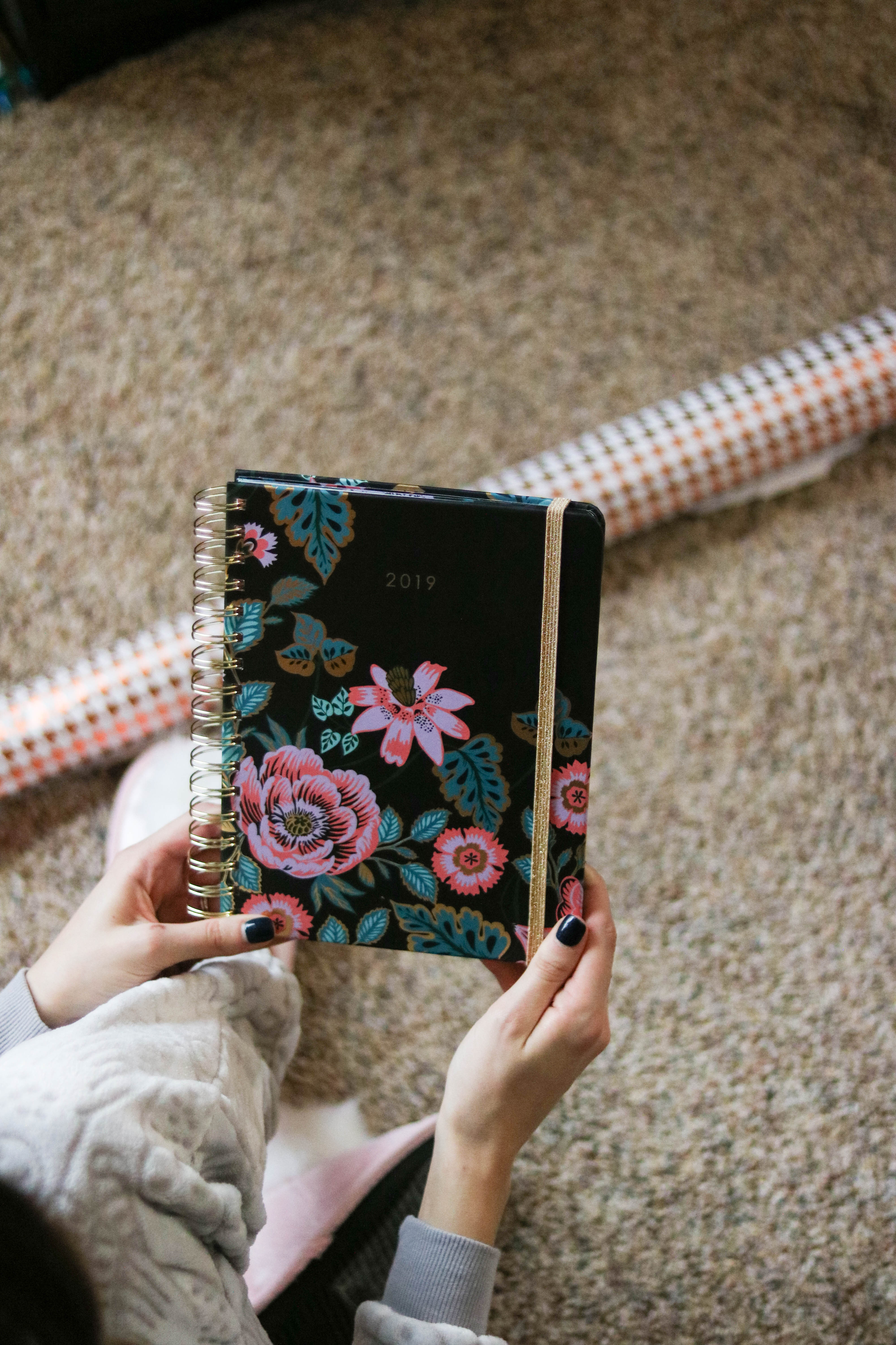 GIFT GUIDE: A Vera Bradley Christmas - Vera Bradley gifts for every lady on your list! on Coming Up Roses