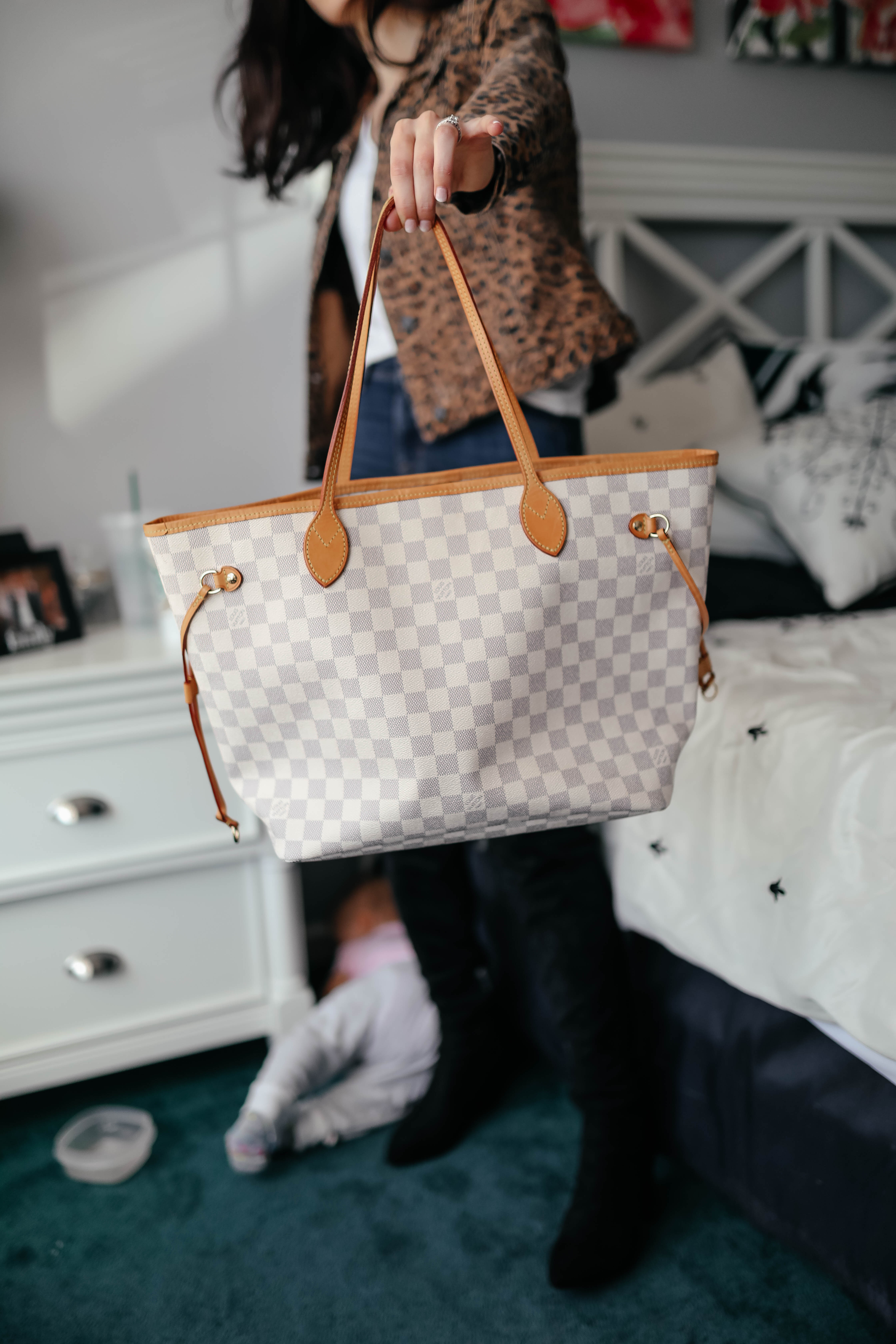 Keeks Louis Vuitton Neverfull Azul MM - - Cool Sh*t I Lovelovelove, Monthly Favorites on Coming Up Roses
