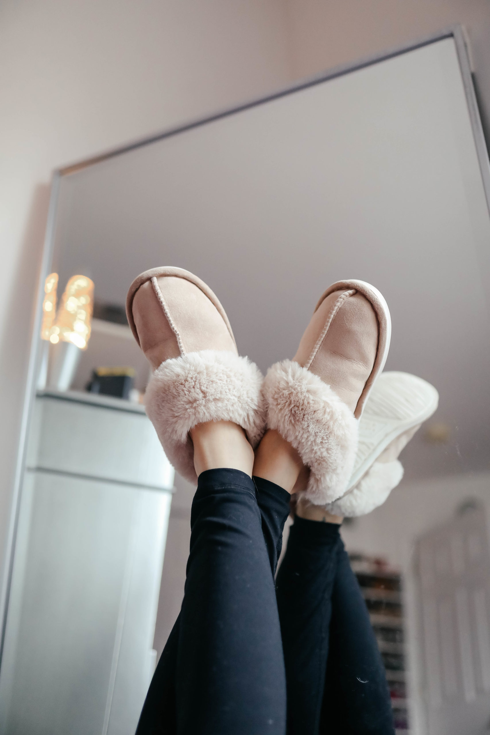 Cool Sh*t I Lovelovelove - Monthly Favorites, January 2020 on Coming Up Roses - Best Amazon Slippers
