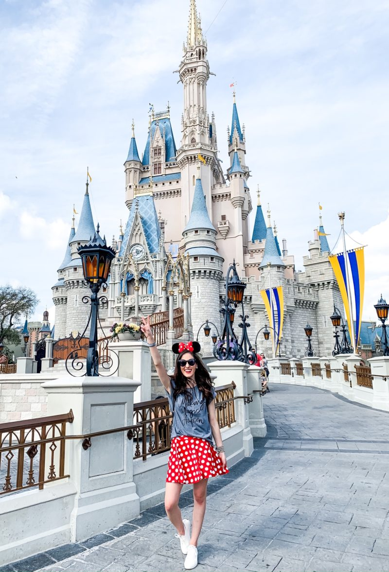 MY DISNEY OUTFITS – What to Wear to Disney for a Week!