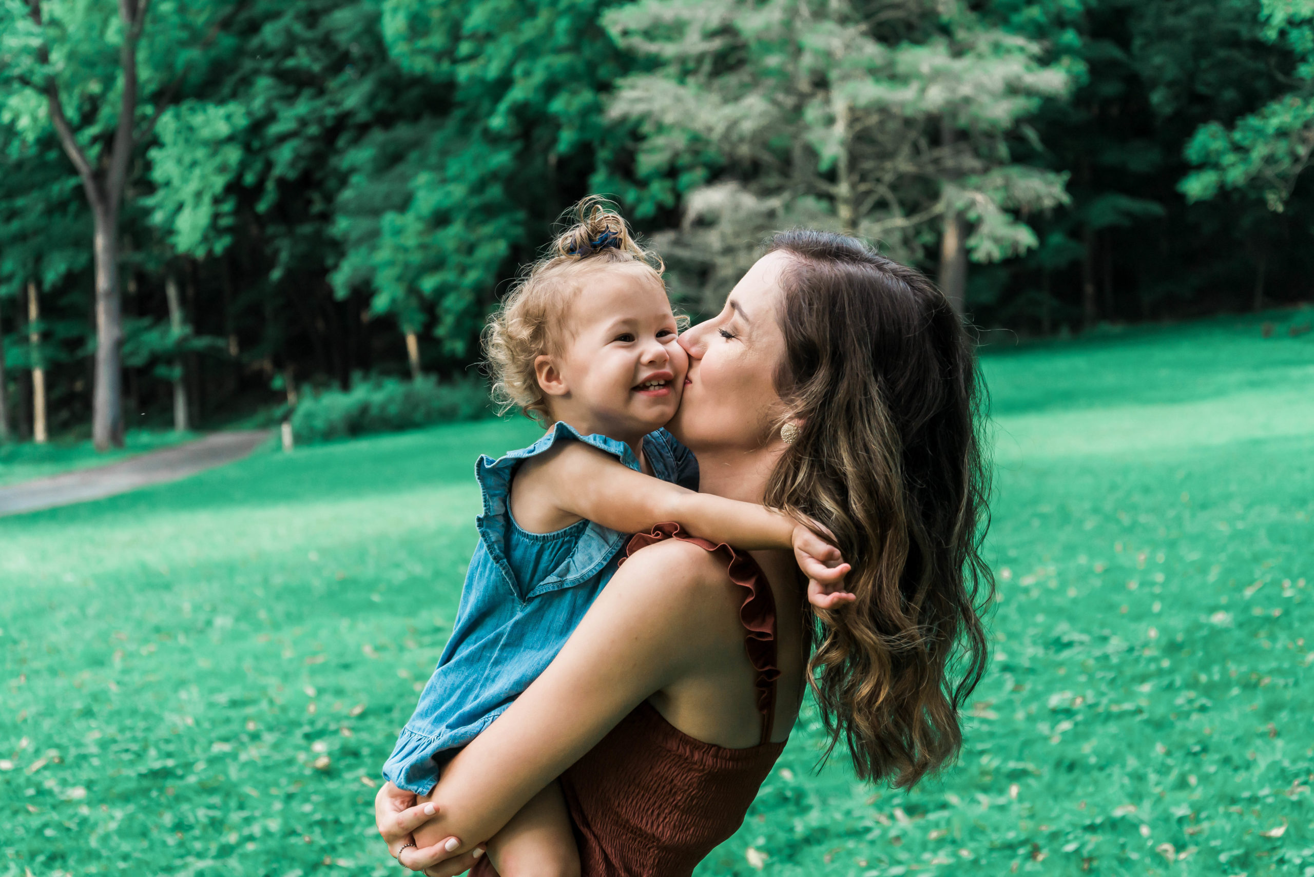 family photo tips mom and daughter