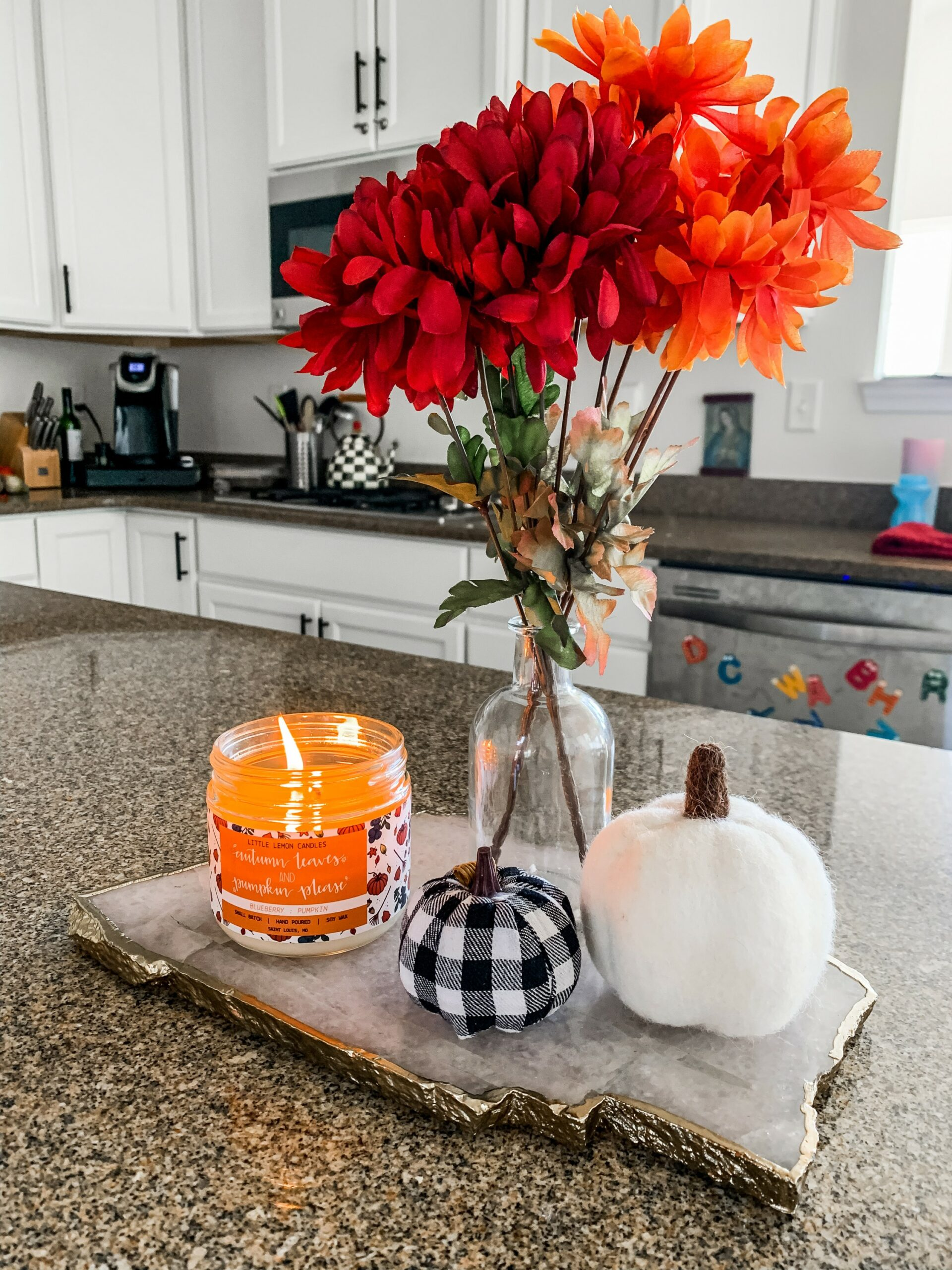 Fall decor ideas for a kitchen island