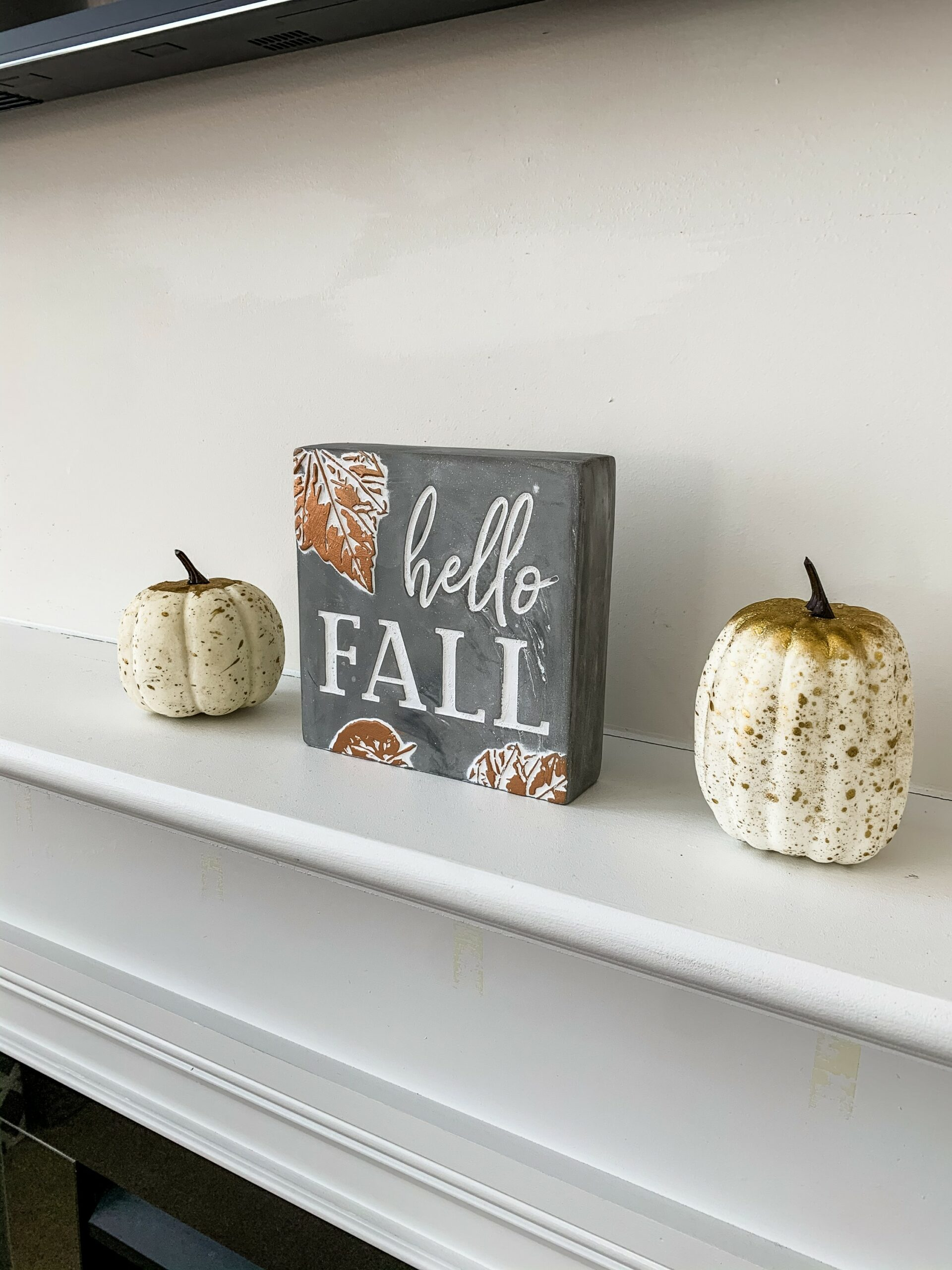 fall decor ideas mantle placement
