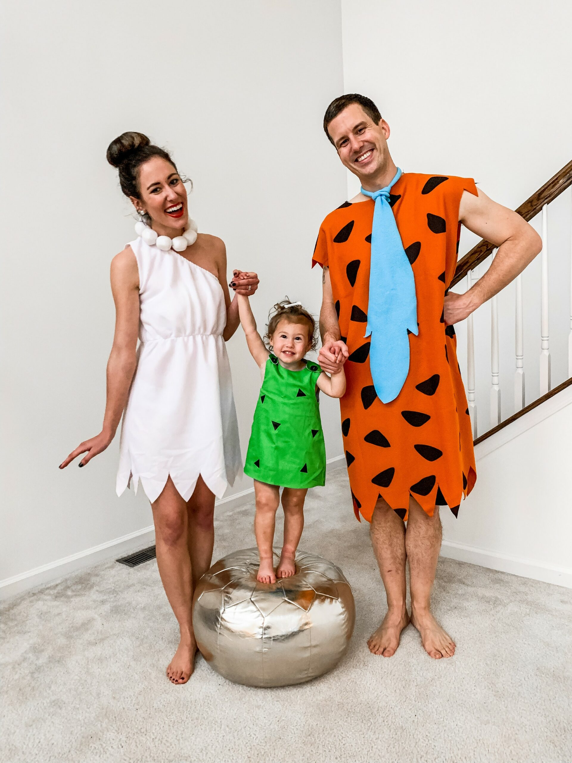 HAPPY HALLOWEEN from the GWYNN-stones! Sharing our 2020 family Flintstones Costume on Coming Up Roses!