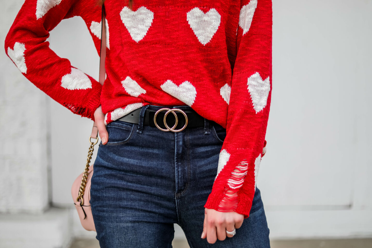 AFFORDABLE VALENTINE'S DAY OUTFIT - Amazon heart sweater with Abercrombie jeans