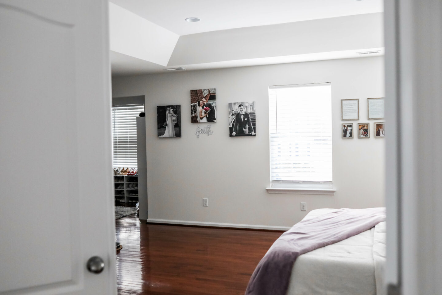 WHITE MASTER BEDROOM DECOR - with Raymour & Flanigan on Coming Up Roses