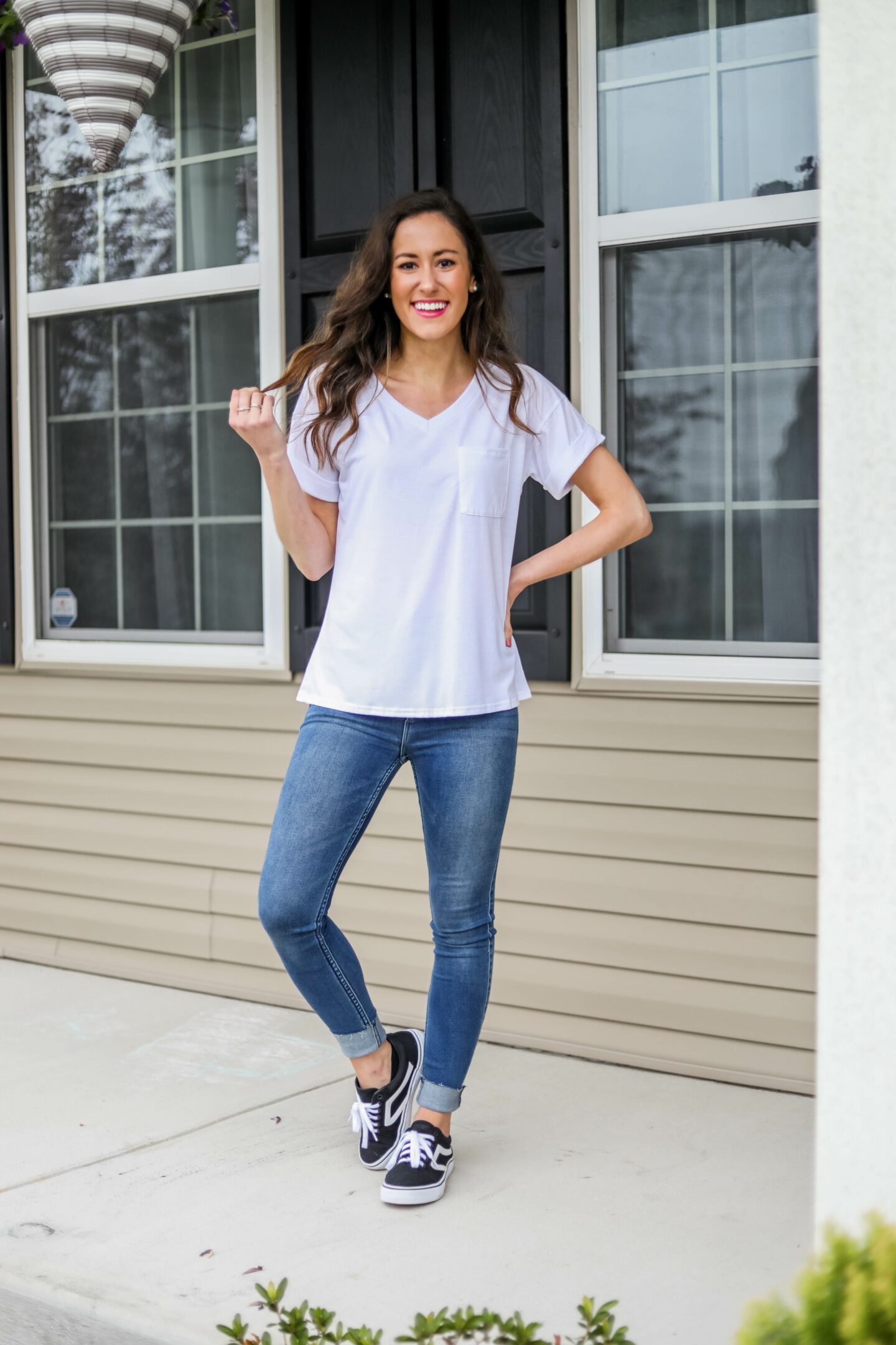 THE BEST WHITE T-SHIRTS (updated!) - Reviewing Aerie, Amazon, Target, J. Crew, Abercrombie + MORE white t-shirts on Coming Up Roses