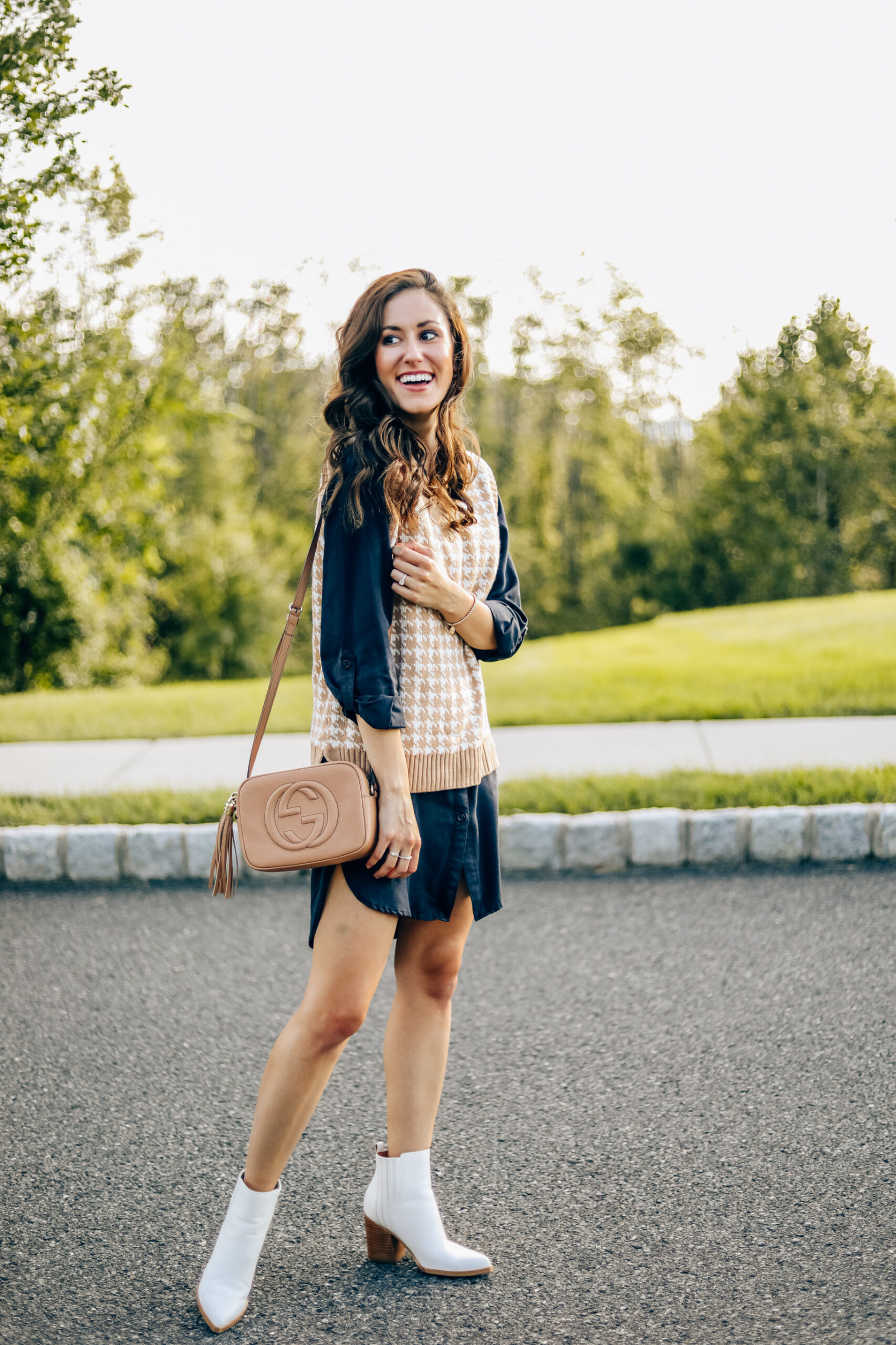 Herringbone sweater vest outfit - easy transitional look from summer to fall!
