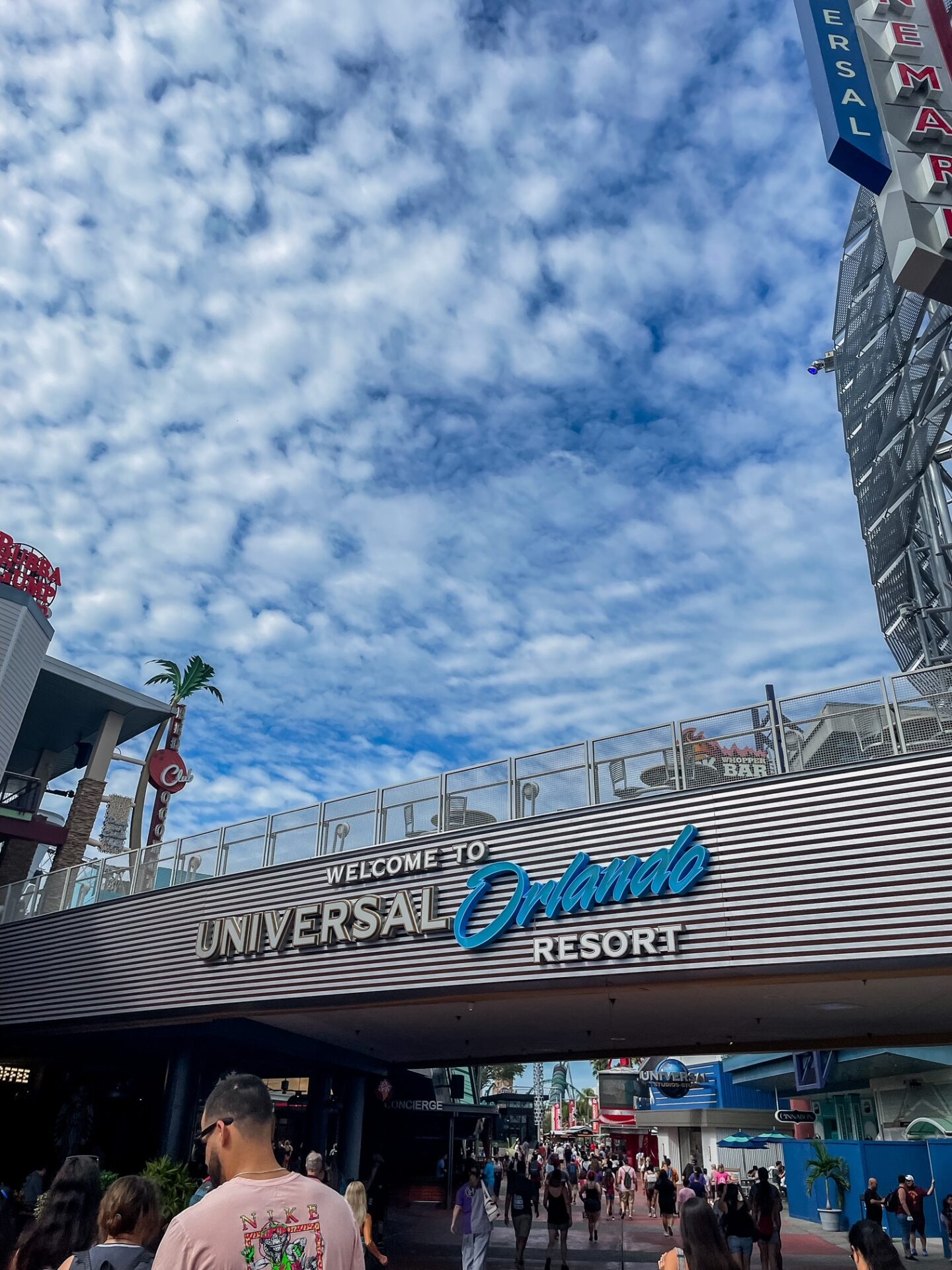 Our Anniversary Trip to Universal Orlando Resort - with things to do at Universal Studios Orlando when it rains, must-do things at Harry Potter World, + MORE!