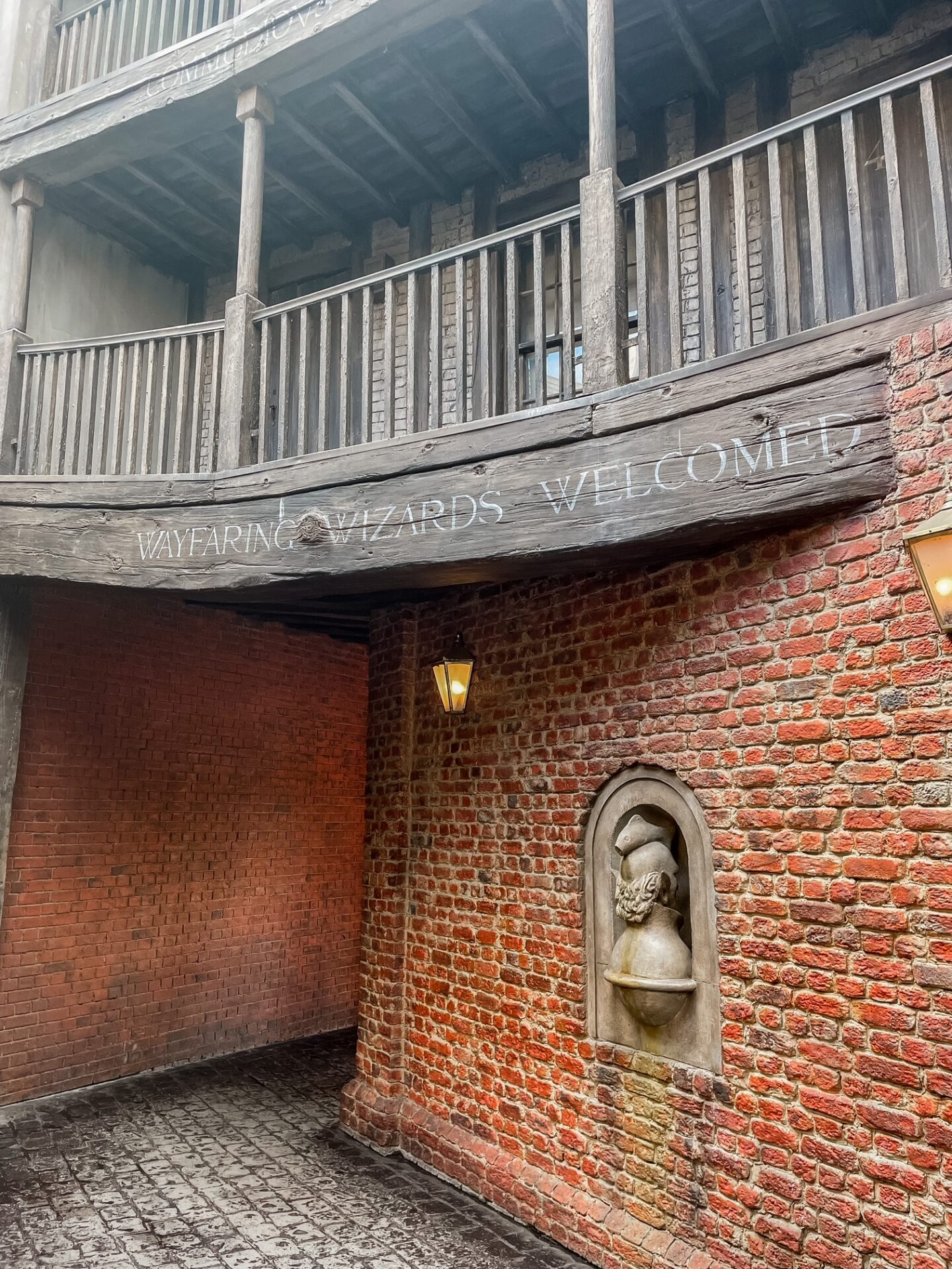 Diagon Alley - 10 Must-See Spots at Harry Potter World in Universal Orlando!