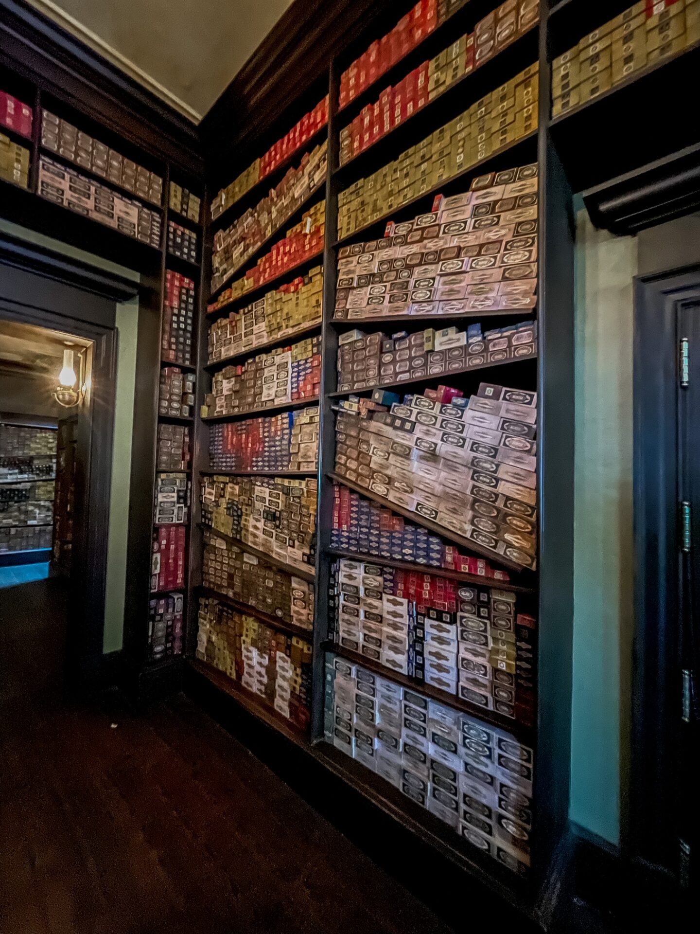 Ollivander's Wand Experience at Harry Potter World Universal Studios Orlando